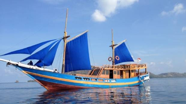 A phinisi boat similar to the one that sunk off Sangeang.
