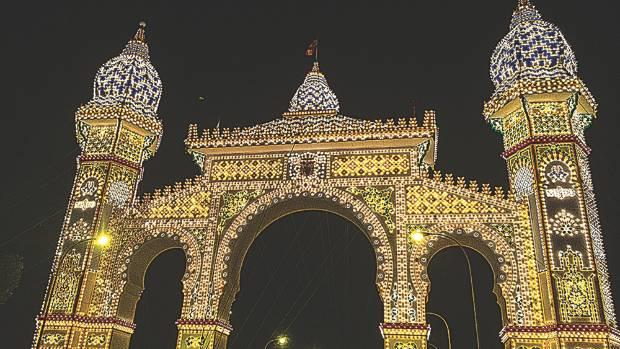 A scene from La Feria de Sevilla (Seville Fair).