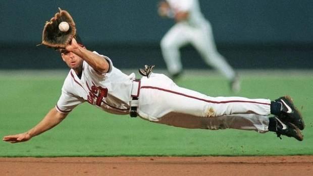 Major League Baseball: The Atlanta Braves take on the San Francisco Giants, whose home base is the AT&T Park.