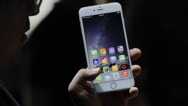 VULNERABLE: An iOS bug enables hackers to access devices by persuading users to install malicious applications with ...