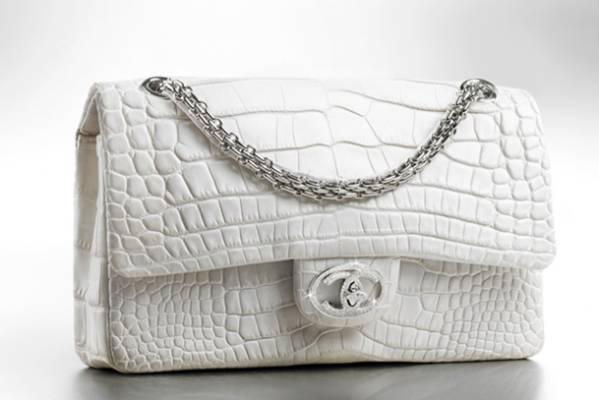 dd2740817f59 A classic handbag from the home of luxury fashion