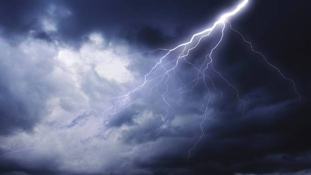 MetService says the loud bang was probably thunder, but not all locals are convinced.