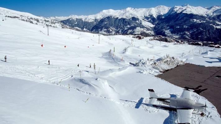 Two dead, 25 hurt in French ski resort fire