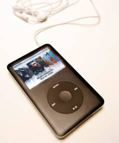 iPod owners could earn thousands flogging off their old MP3 players.