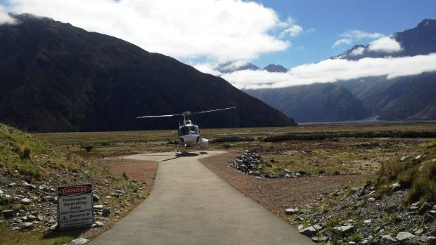 The body of a SAR team member who fell to his death on Aoraki/Mt Cook is recovered on Sunday.