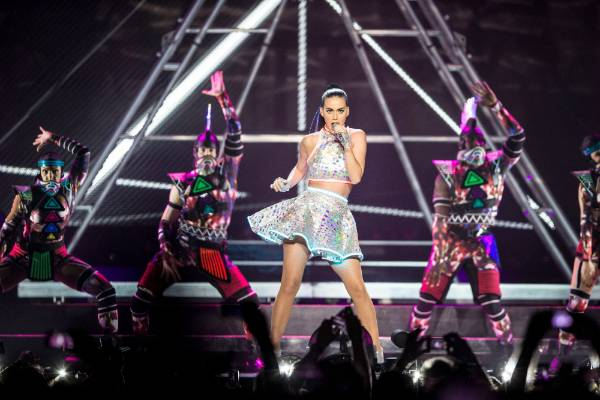 She's coming here! Katy Perry announces New Zealand shows in 2018