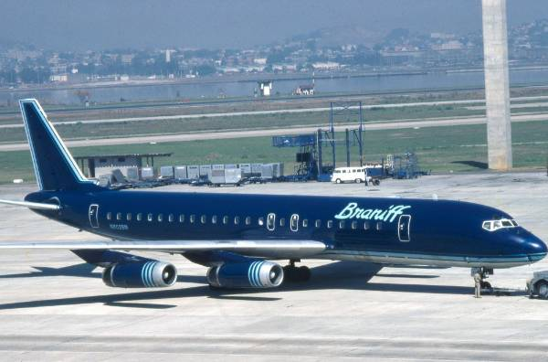 The king of colourful airline paint jobs in the 1970s was Braniff International Airways until it went bust in 1982. The ...