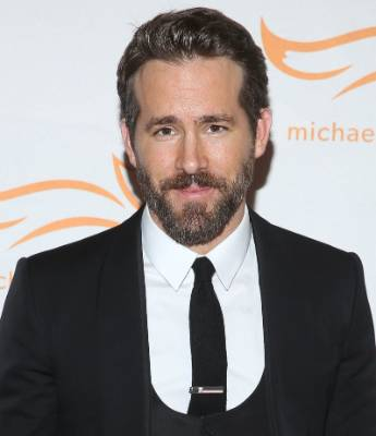 Ryan Reynolds appears to be a charmer both with or without facial hair.