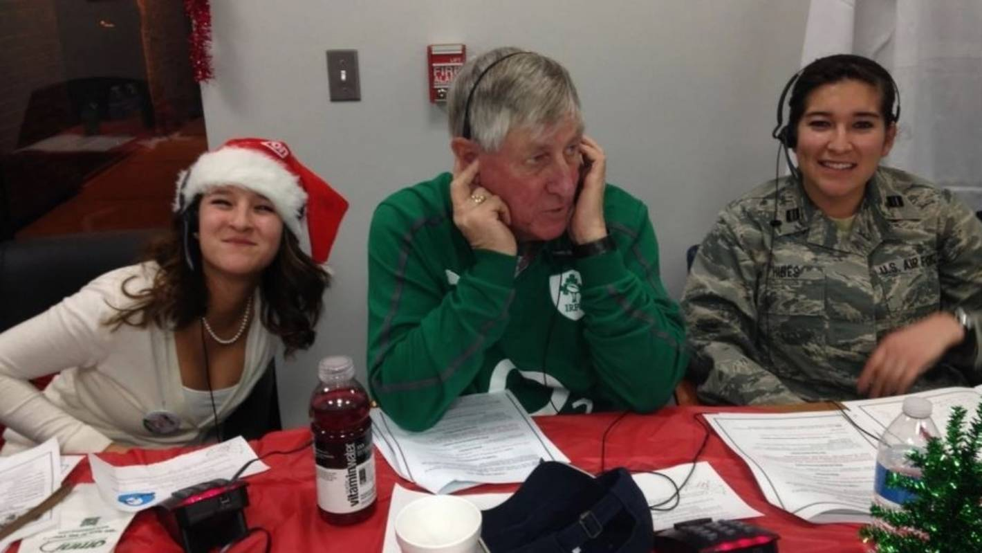Which Organization Tracks Santas Flight On Christmas Eve.How The Us And Canadian Militaries Track Santa S Flights