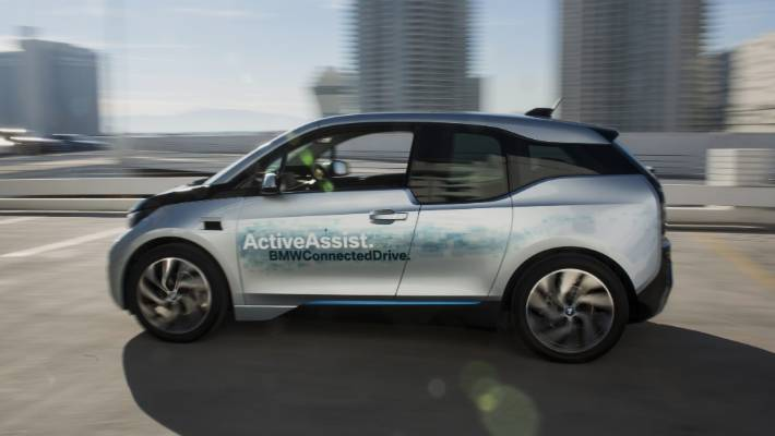 Leave Bmw S New Electric Car To Park Itself Stuff Co Nz