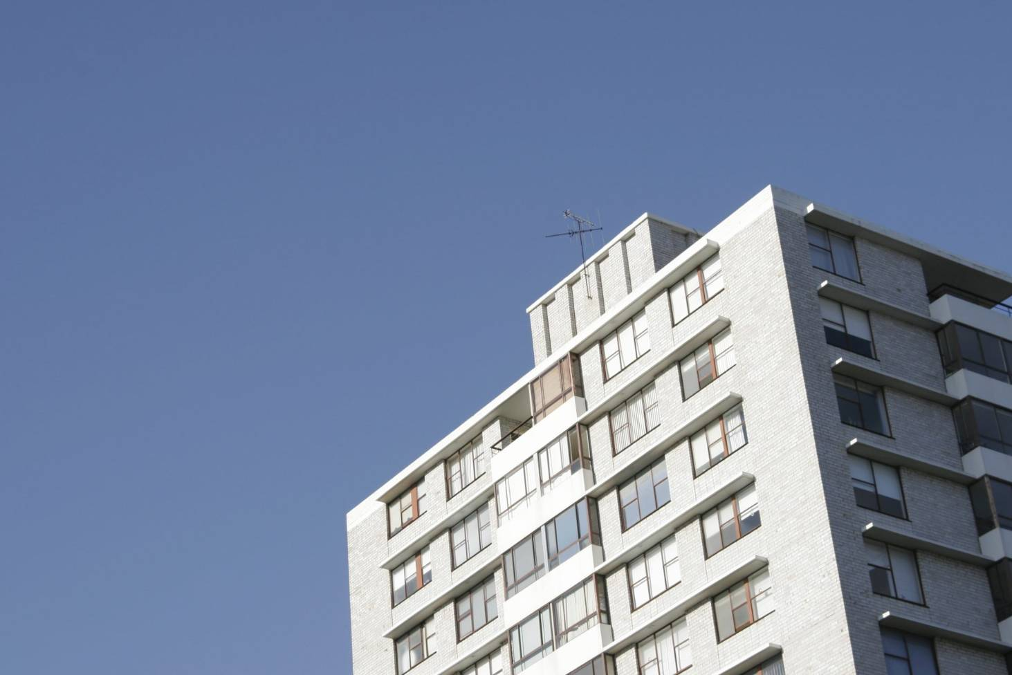 Whether to buy an apartment