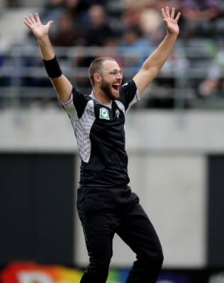 Daniel Vettori appeals for a wicket during his side's clash with Bangladesh at AMI Stadium, Christchurch in 2010.