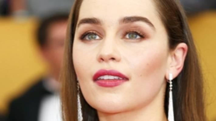 Eyebrow tattoo fail leaves woman with four eyebrows | Stuff.co.nz