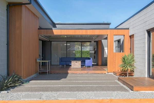 House of the week rangiora for House designs with courtyard in the middle