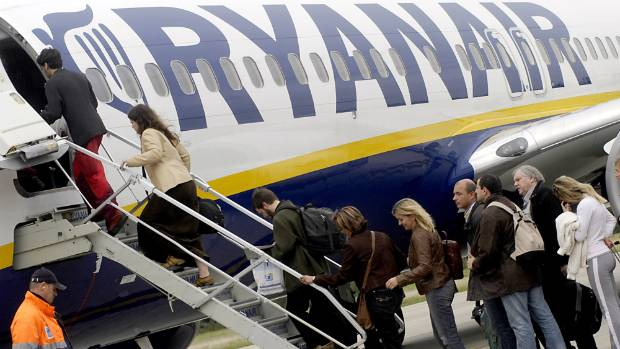 Ryanair Slumps as Scrapped Flights Risk Reviving Bad-Boy Image""