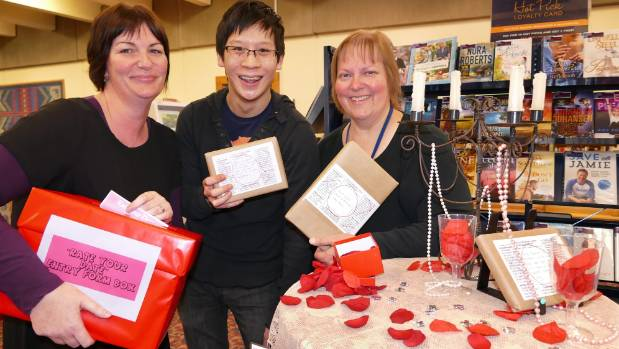Blind Dater's Invercargill city library learning connections coordinator, Tracy Pasco and librarians  Andrew Eng and ...