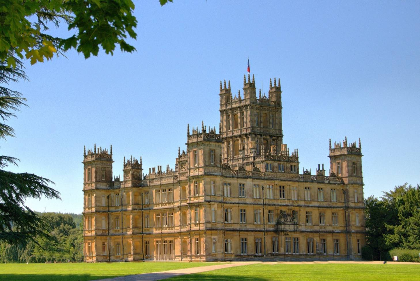Spoiler Alert: Get the down-low on season six of Downton