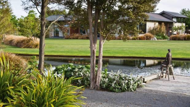 New zealand natives shine in beautiful blenheim garden for Landscape design jobs new zealand