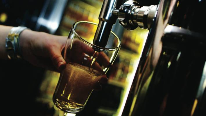 Wellington sticks with 4am closing for bars while it gathers more