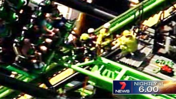 Movie World S Green Lantern Ride Malfunctions Leaving Six Stranded