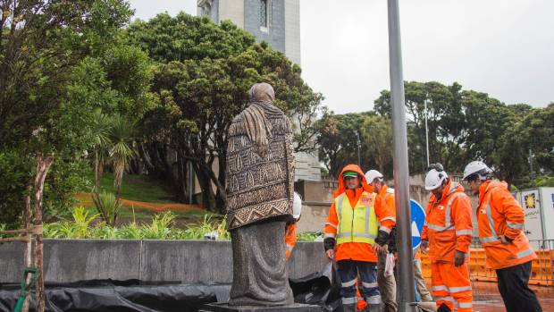 IN PLACE: A statue was installed on Monday at the Pukeahu National War Memorial Park.