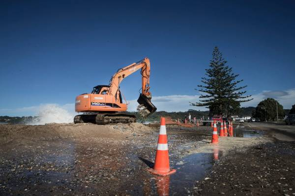 Swells at high tide at Buffalo Beach,  Whitianga, Coromandel - effects of Cyclone Pam.  Ray Blackler Managing Director ...