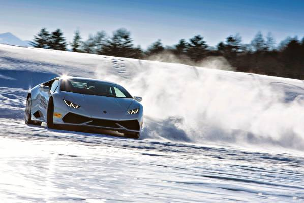 Lamborghini in snow