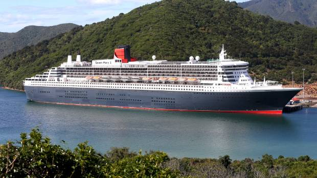 Queen Mary Cruise Ship Bypasses Wellington  Stuffconz