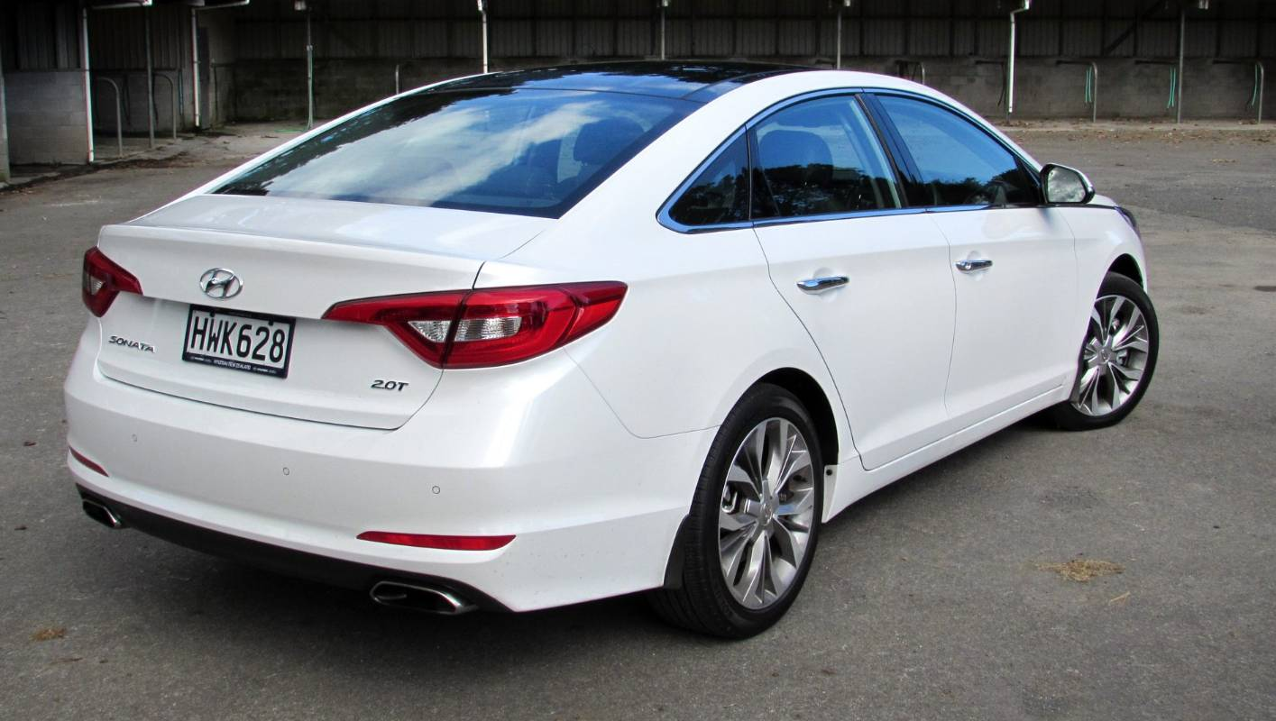 Hyundai Sonata back with aplomb | Stuff co nz