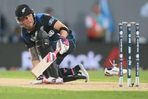 Brendon McCullum loses a shoe as he bats for New Zealand at Eden Park.