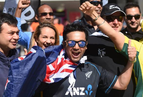 Kiwi fans are flocking to the MCG in Melbourne to cheer on the Black Caps in the World Cup final against Australia.