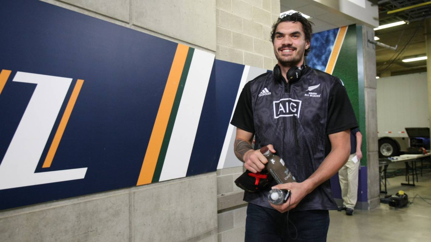 4cfb978b5c8 Hinton  Why isn t Steven Adams playing for New Zealand against Australia