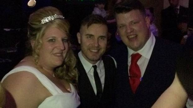 Take That S Gary Barlow Surprised Superfan Danielle Jones With A Performance At Her Wedding