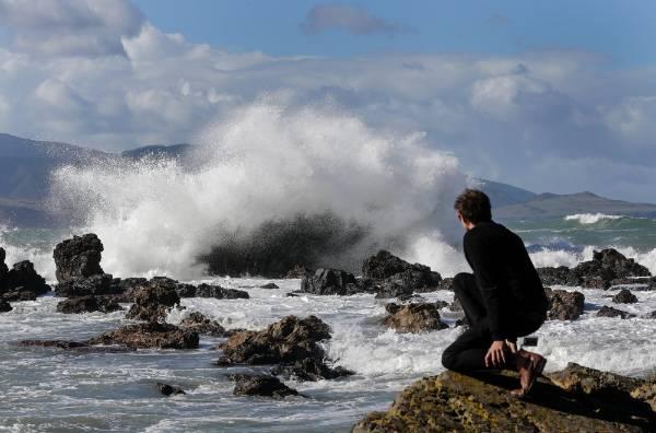 Large waves toss boulders on wellington coast for Landscaping rocks wellington