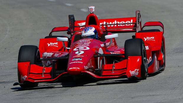 Kiwi driver Scott Dixon has finished third at the Grand Prix of Alabama, climbing to third on the IndyCar series ladder.