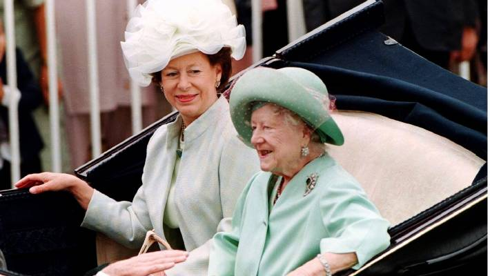 Princess Margaret Seen Here With The Queen Mother Used Villa As An Escape