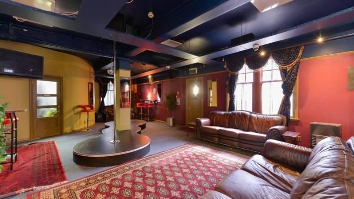 Take A Peek Inside Wellington Brothel The K Stuff Co Nz