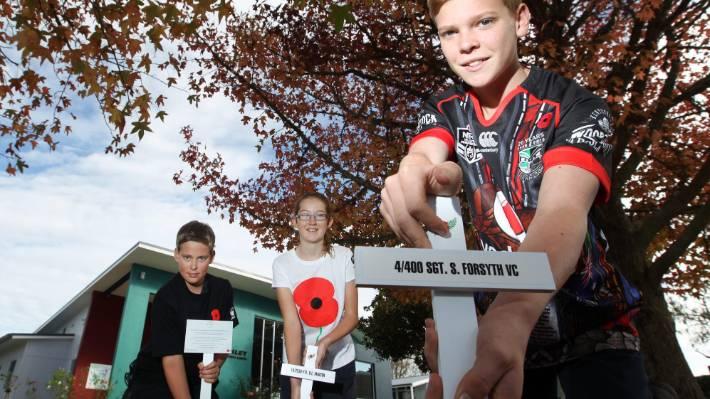 Trust Replaces Hamilton Schools Vandalised Anzac Crosses Stuffconz