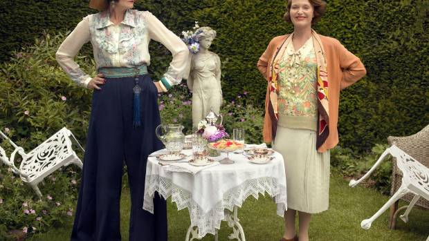 Emmeline 'Lucia' Lucas (Anna Chancellor) and Elizabeth Mapp (Miranda Richardson) in Mapp and Lucia