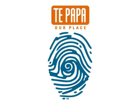 Te Papa's controversial logo, a thumbprint.