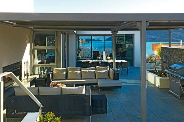 Award winners five of new zealand 39 s best outdoor rooms for Garden rooms b q