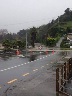 The road was closed near the Whanganui River.
