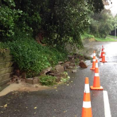 A retaining wall slip closes one lane of Freemans rd in Otaki.