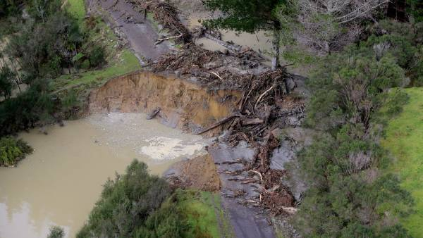A collapsed road in the Waitotora Valley.