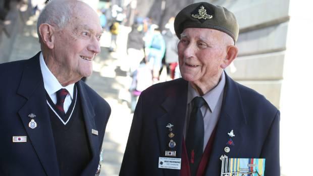 Korean war veterans Wally Wolstenholme, left, and Bob Hammond