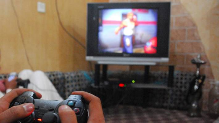 Man sedates girlfriend so he can keep playing video games