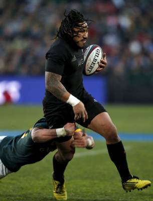 All Blacks centre Ma'a Nonu is challenged by South Africa's Jesse Kriel.