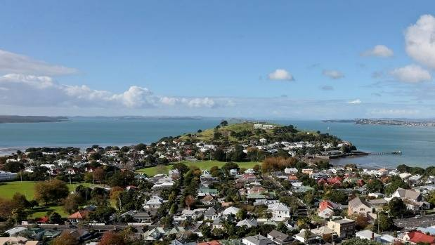Data from realestate.co.nz shows only five per cent of visitors use an Asian language as their default.