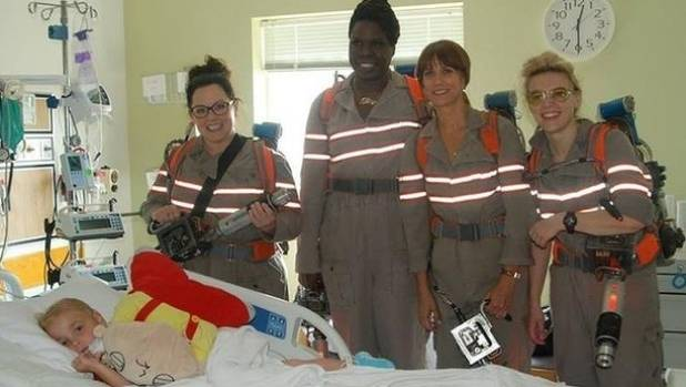 The female cast of the new Ghostbusters film Melissa McCarthy, Leslie Jones, Kristen Wiig and Kate McKinnon visited sick ...