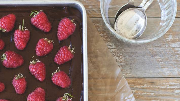 Recipe: Chocolate and banana avocado mousse